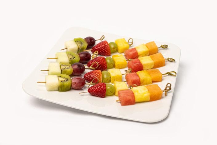 Menu Gourmet - Brochettes de fruits servi sur les vols de Czech Airlines